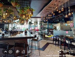 Digital Marketing Presentation Restaurant.